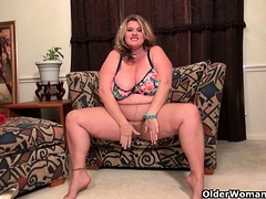 American BBW milf Jacks loves dildoing at one's disposal the office