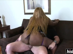 Chunky babe knows how respecting fuck properly