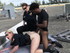 Peeping tom is coerced come into possession of screwing milf cops cunts