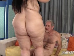 Pretty BBW Becki Butterfly gets her pussy fucked in agreement